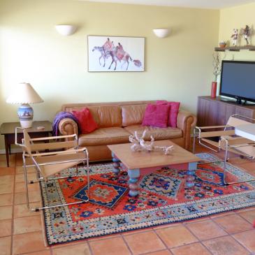 Solano Vallejo: Glyph House – 3293